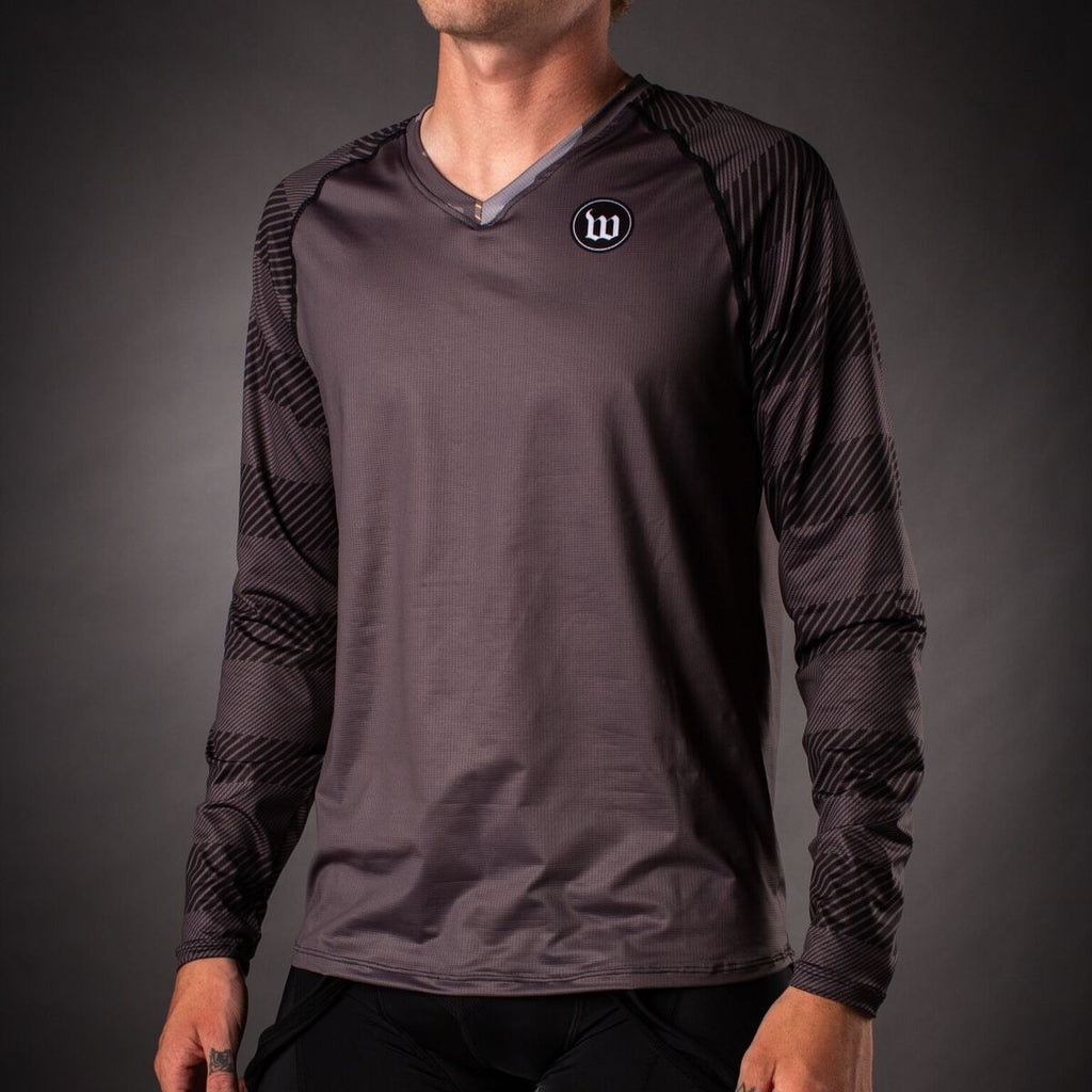 Men's Recon Long Sleeve Run Shirt - Charcoal