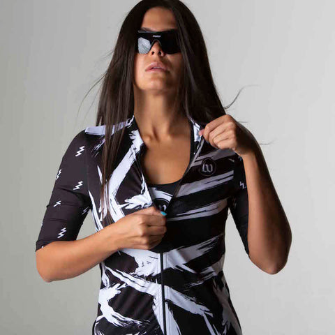 Black + White Collection Contender 2.0 Women's Long Sleeve Cycling Jersey - Bolt