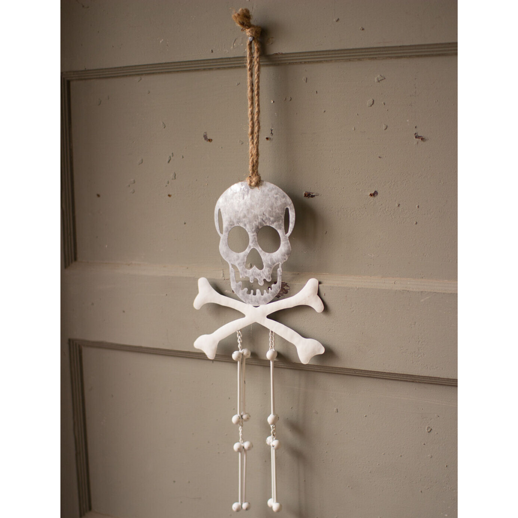 Metal Skull & Crossbones Door Hanger