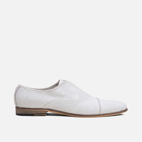 The Brody men's suede loafers feature a classic design, sheepskin suede and durable soles.