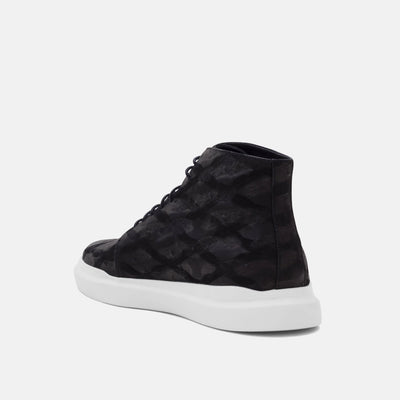 Athletic comfort, cool streetwear style and a low price make Axel the best high top shoes for men.