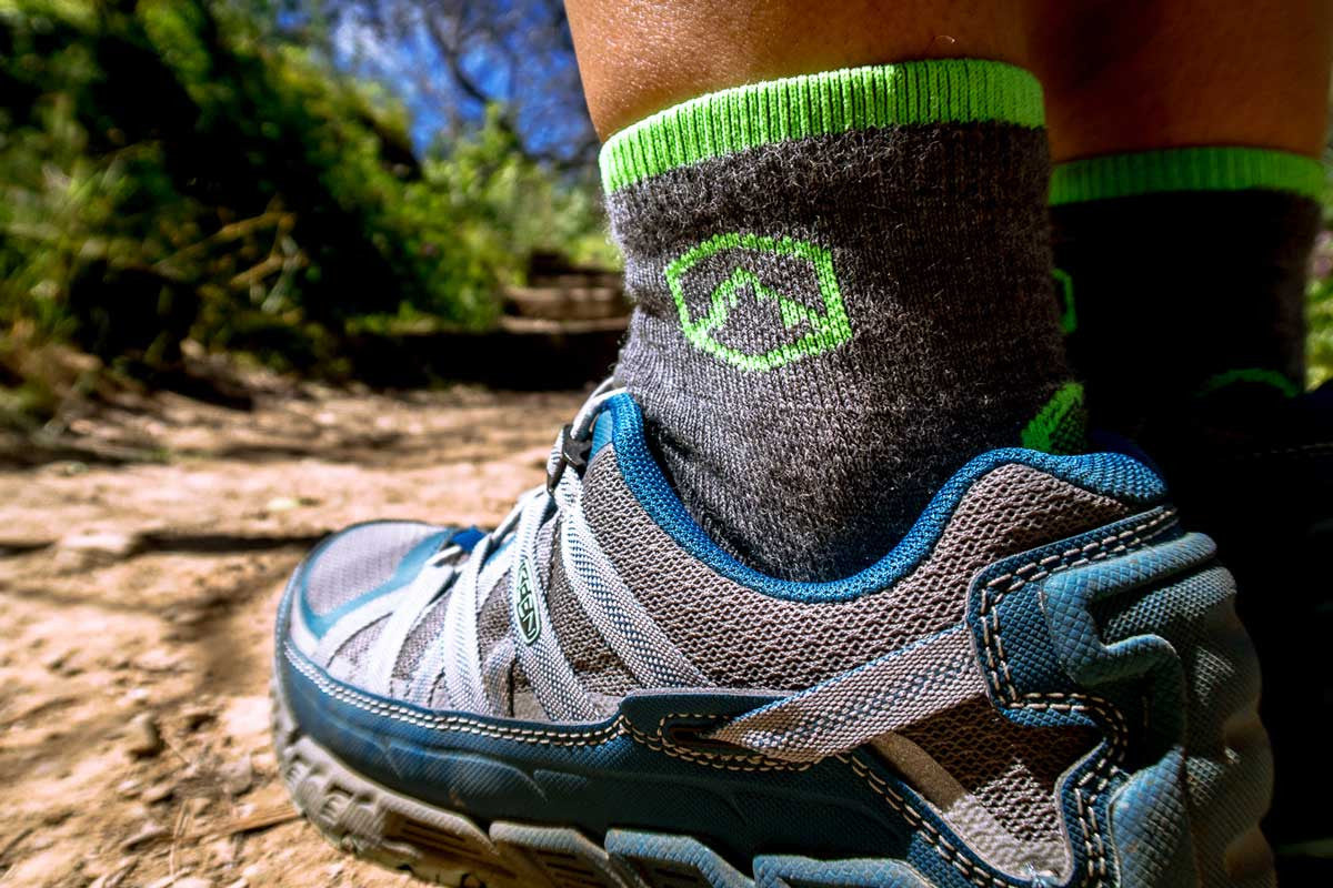 HOW TO PREVENT BLISTERS WHEN HIKING AND BACKPACKING