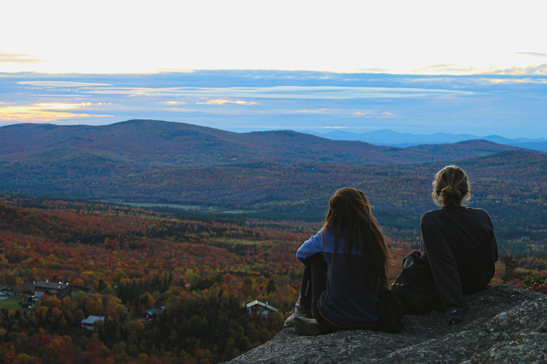 What to wear for fall hiking