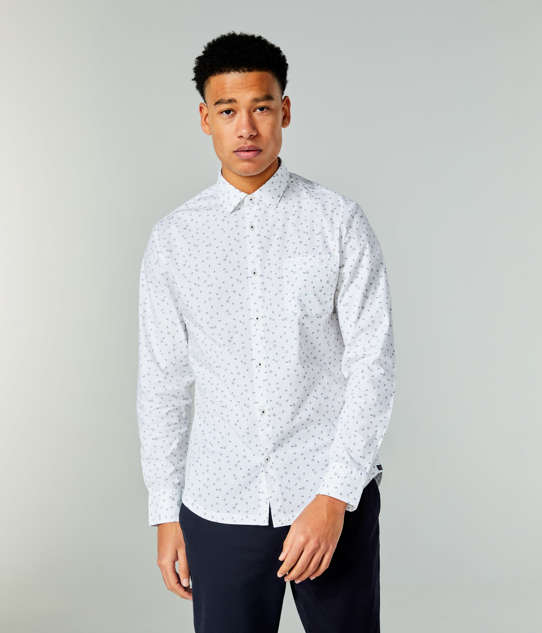On-Point Print Shirt - White Spring Diamonds