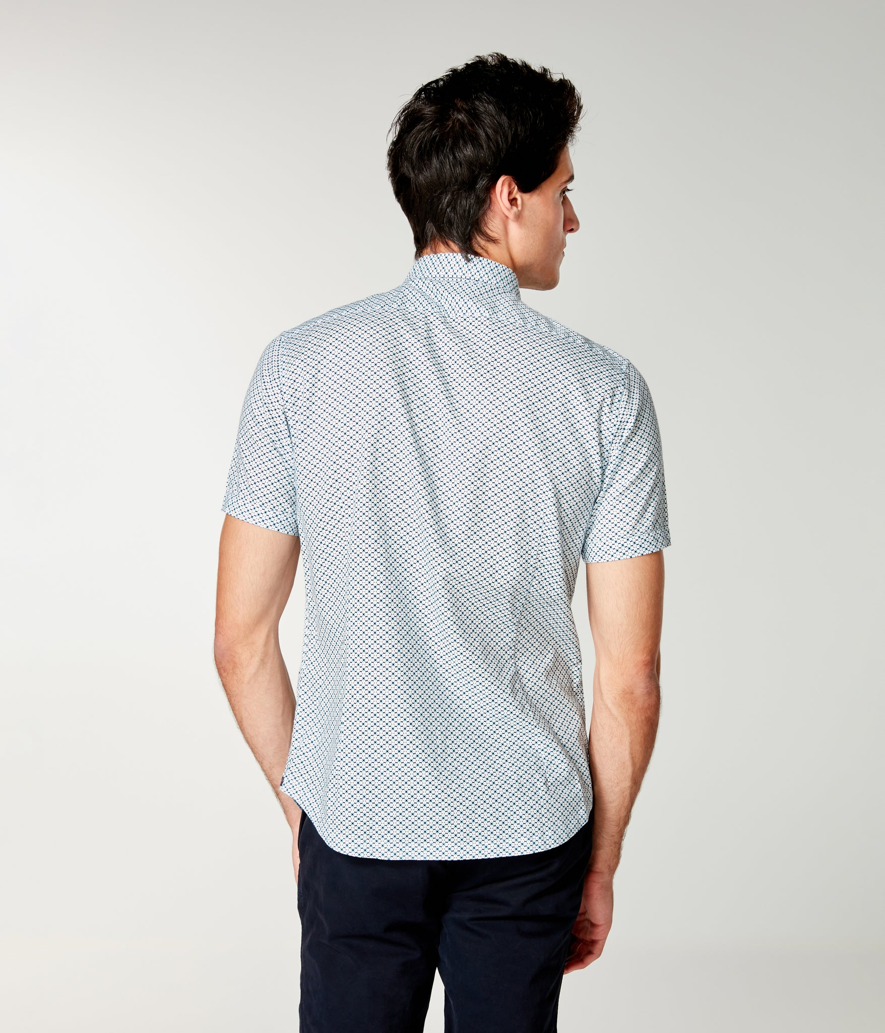 Woven On-Point Shirt - Navy Clover Mid Century