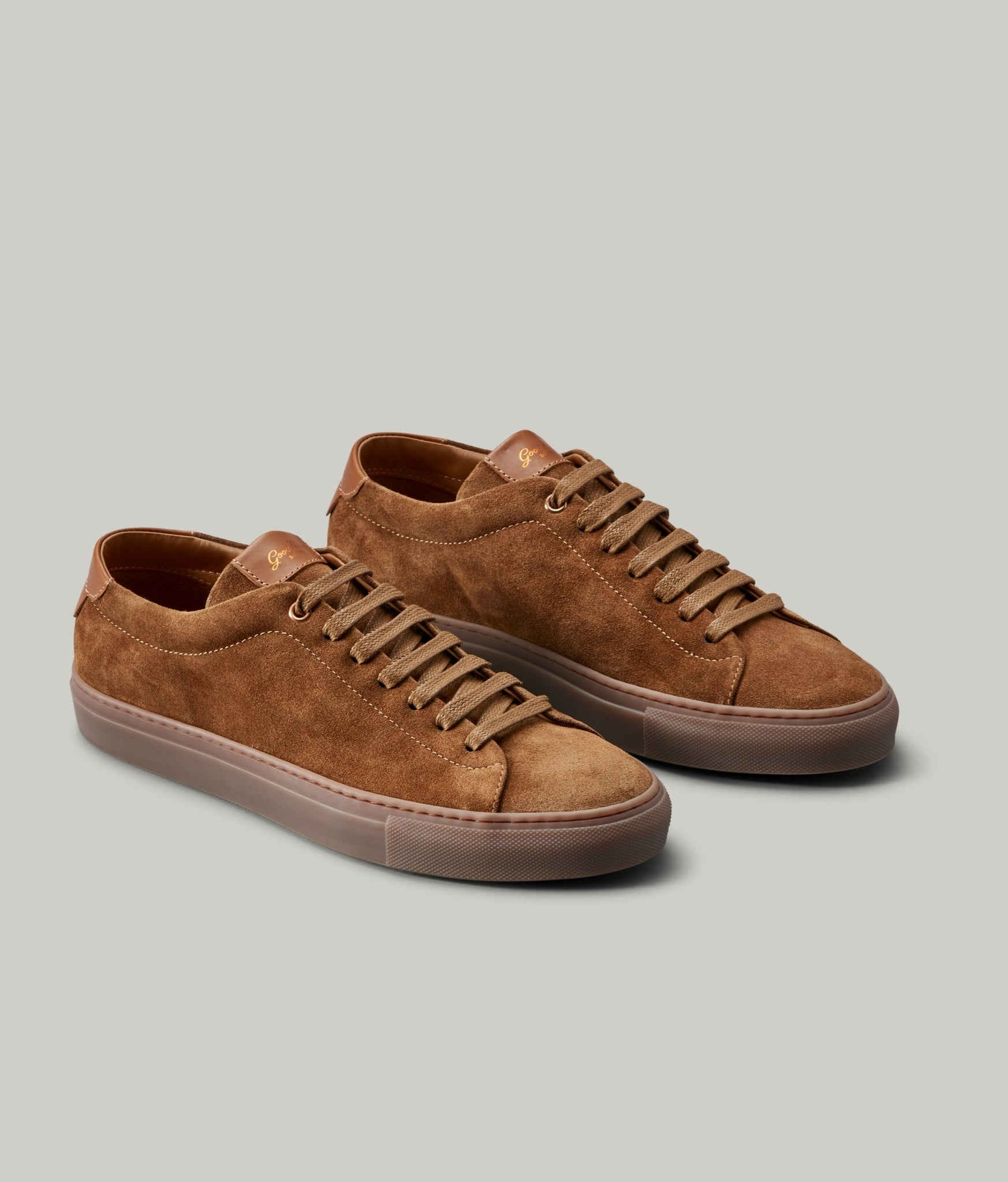 Edge Mono Lo Top Sneaker in Suede - Snuff