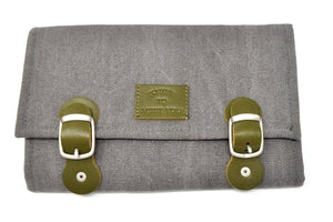 Version of the bag with gray canvas and olive leather