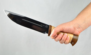 Rosarms TAIGA large hunting knife in the hand