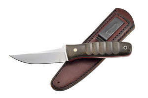 Tanagi with the leather sheath