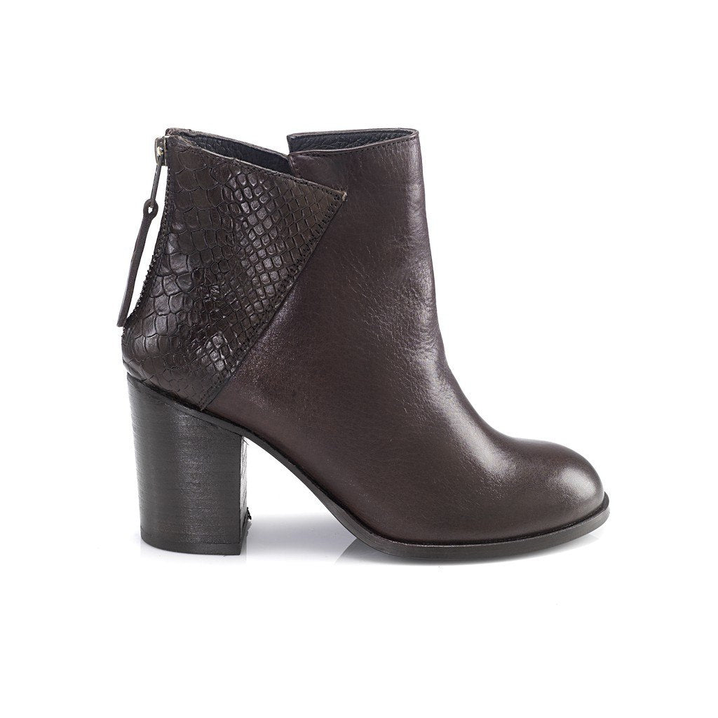 Kate Ankle Leather Boots - Pop Up Fashion Sale