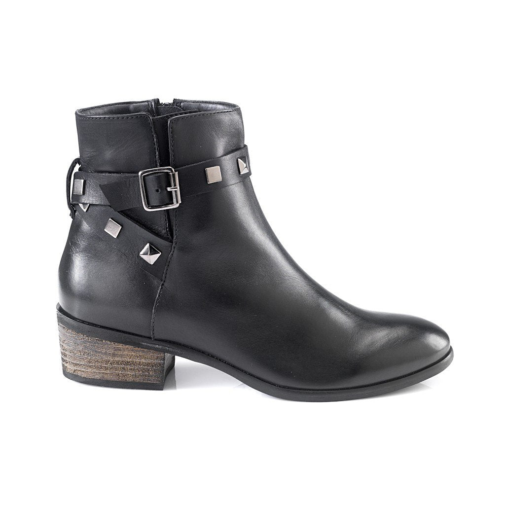Selene Ankle Leather Boots by Artemisia - Pop Up Fashion Sale
