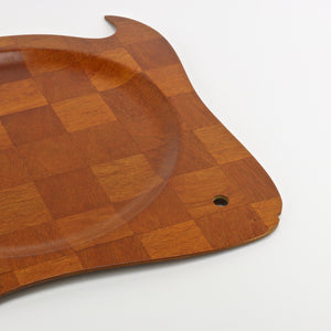 Super Wood woven teak fish shaped serving tray closeup