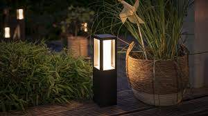 HUE OUTDOOR WHITE&COLOUR AMBIANCE  PEDESTAL LED IMPRESS - Philips.