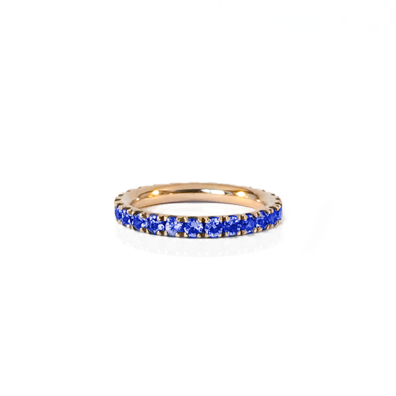 Alliance en or rose 18k et saphir bleu en pavage tour complet