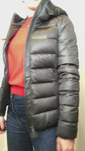 Load and play video in Gallery viewer, Grey hooded puffer jacket - size XS