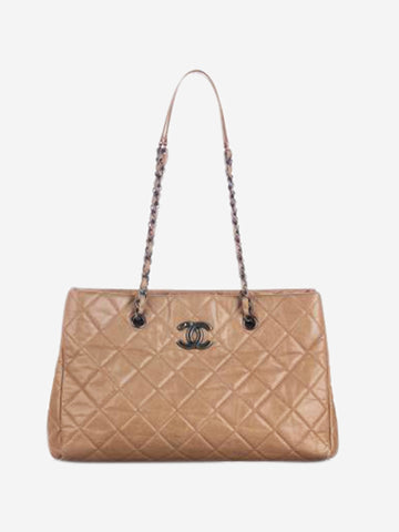 Beige CC quilted leather shoulder bag
