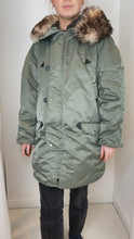 Load and play video in Gallery viewer, green Celine Coats, XS