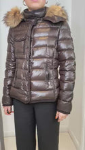 Load and play video in Gallery viewer, Brown puffer jacket with fur hood- size XS