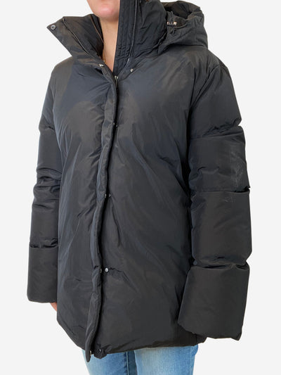 Black puffer jacket with detachable hood - size M