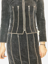 Load image into Gallery viewer, Black velvet and chain skirt suit set - size FR 34
