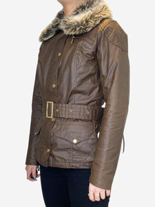 Brown short belted coat with faux fur collar - size UK 8