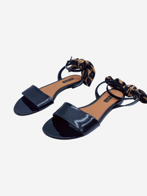 Black patent sandals with leopard print bow - size 5.5
