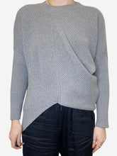 Load image into Gallery viewer, Grey ribbed asymmetric crew neck sweater - size FR 34