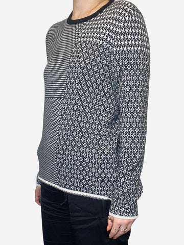 Black and white contrast print sweater - size XS
