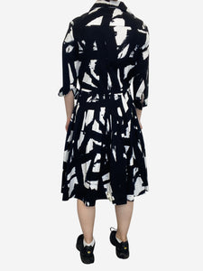 Samantha Sung Black & White 3/4 sleeves black and white pleated midi dress - size 10