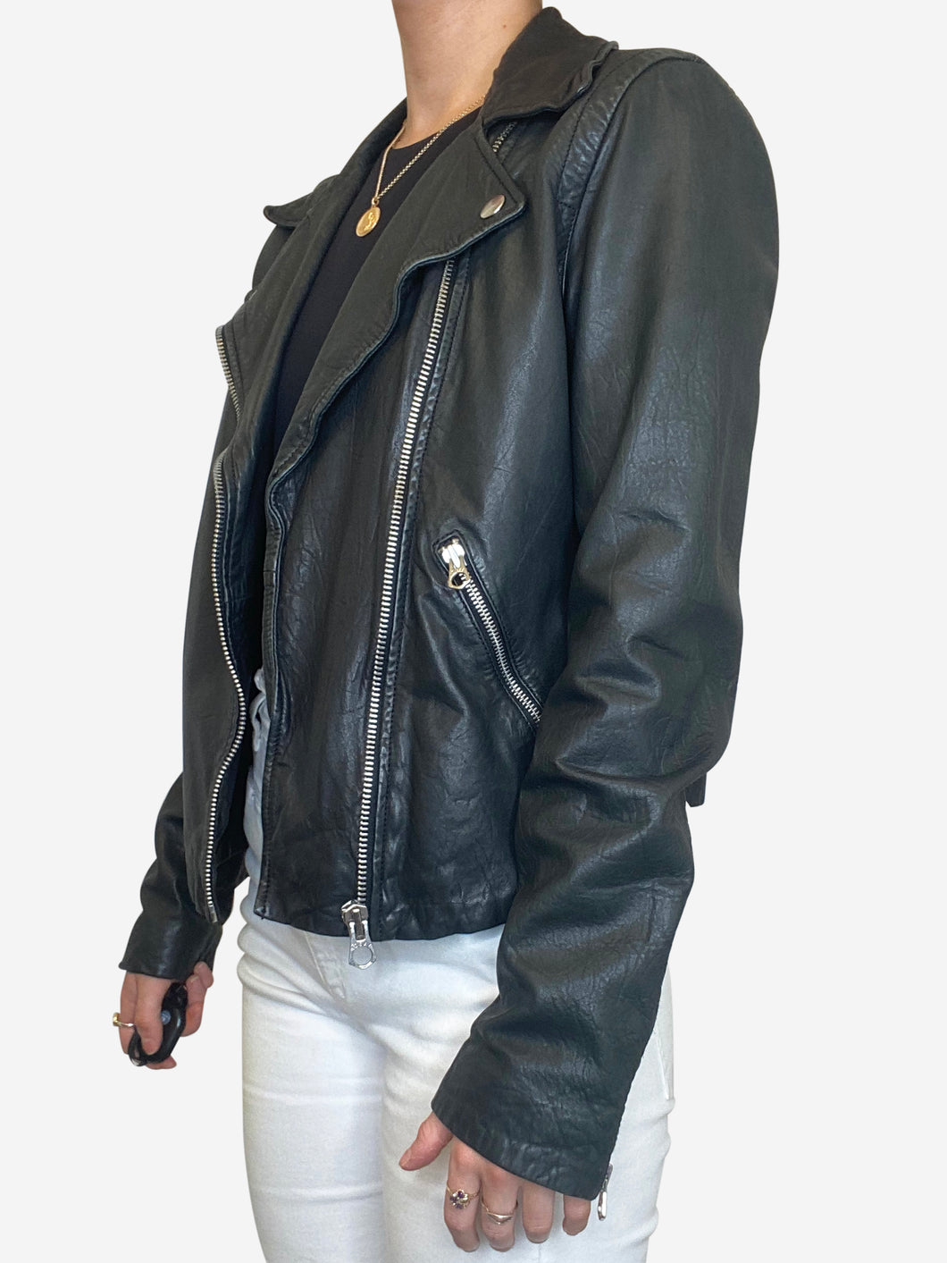 Black leather biker jacket with rose motif - size 10