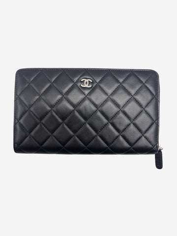 Large black quilted calfskin zip around organiser