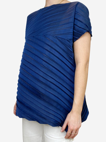 Navy short sleeved pleated top - size 8