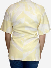Load image into Gallery viewer, Yellow tie dye stretch knit top - size M