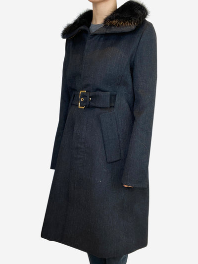 Dark grey belted coat with fur collar - size IT 42