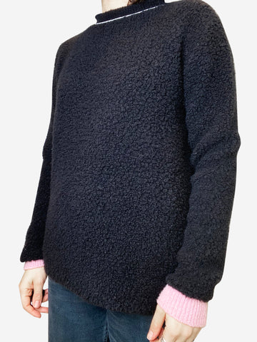 Black teddy jumper with pink cuffs - size IT 42