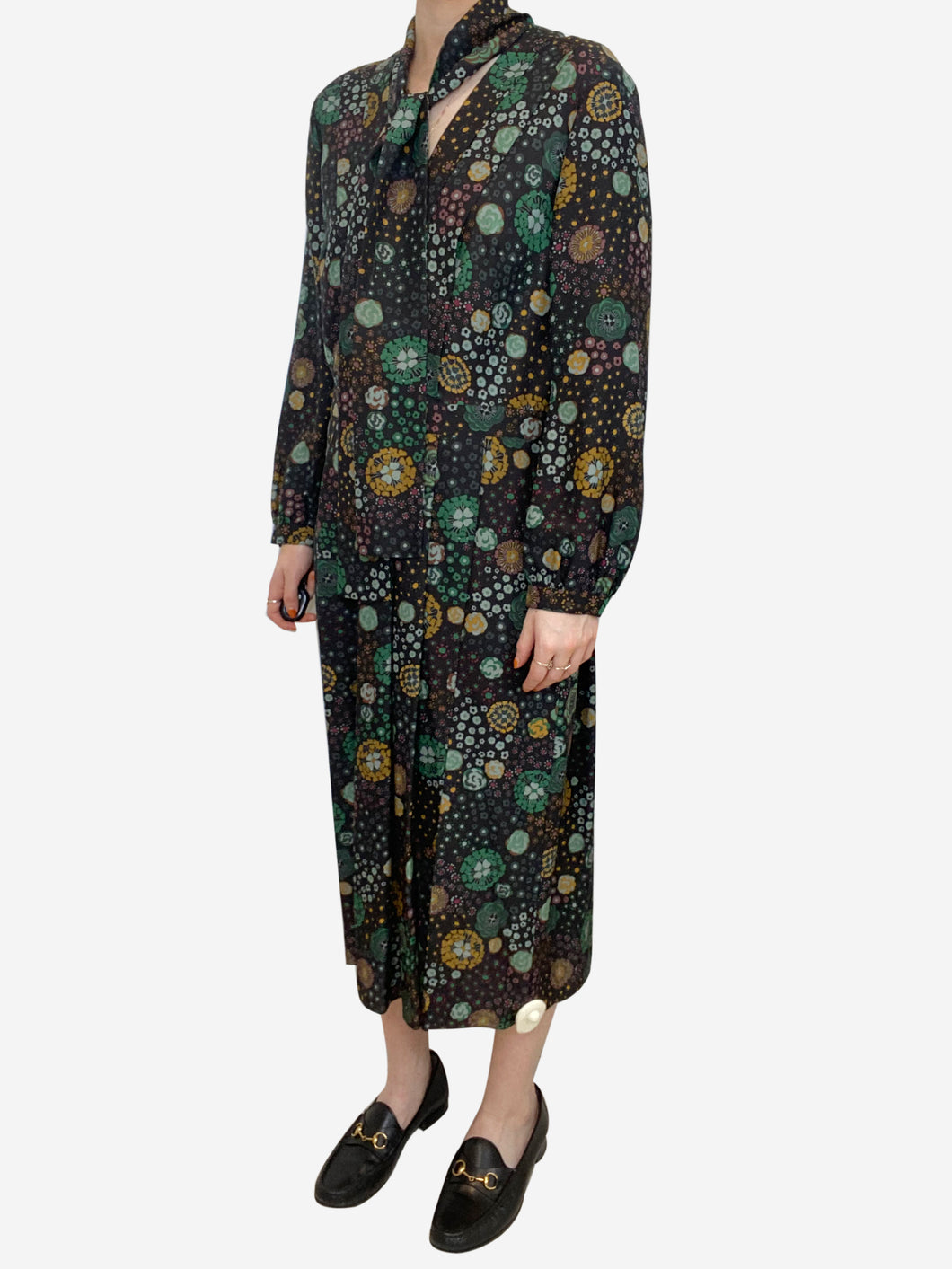 Black floral pleated midi dress with neck tie - size UK 12