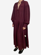 Load image into Gallery viewer, Burgundy gathered silk midi dress - size M