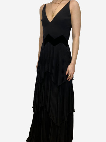Black pleated tiered v-neck gown - size FR 36