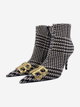 Load image into Gallery viewer, Black & cream houndstooth Knife boots - size EU 38