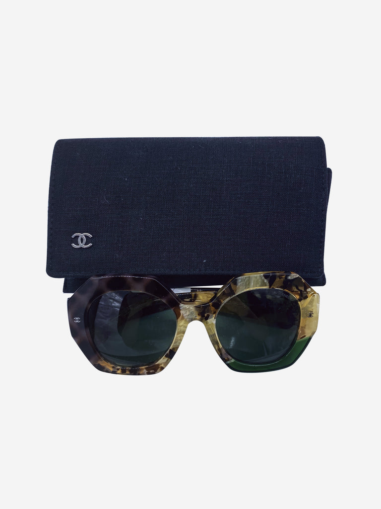 Tortoiseshell and green round sunglasses