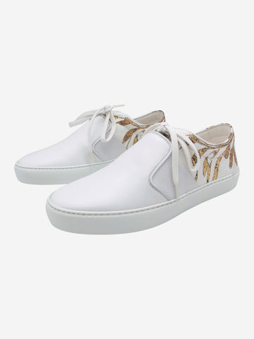 White leather trainers with gold leaf print, size EU 39