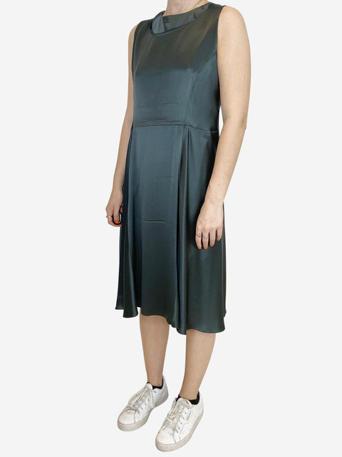 Green sleeveless silky dress with over lay top - size FR 42