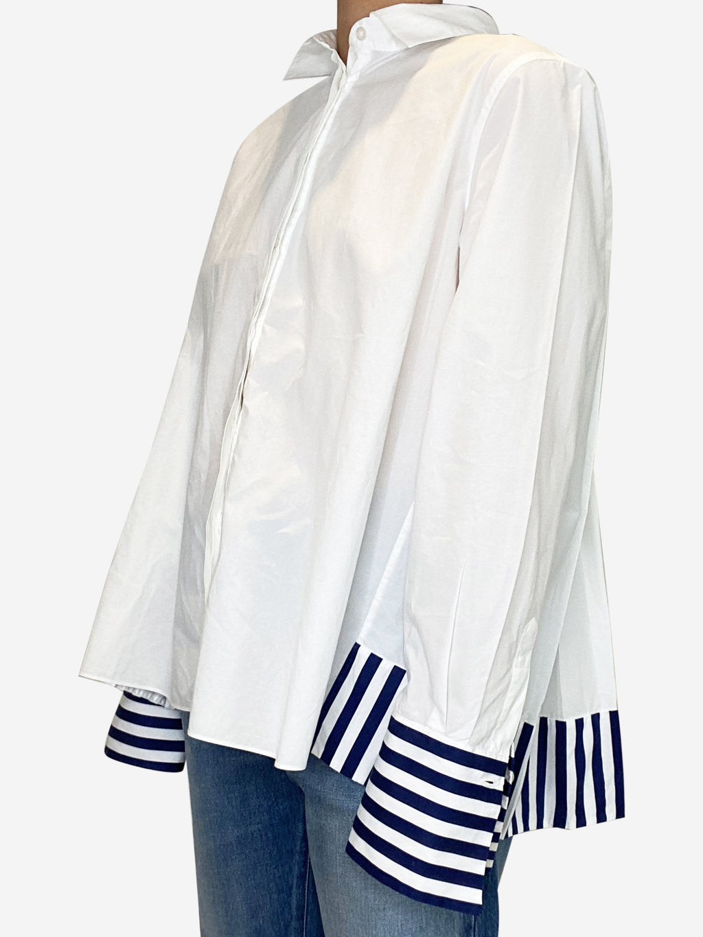 White and blue striped pleated shirt - size M
