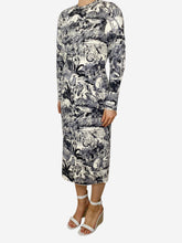 Load image into Gallery viewer, Grey & white farm print knee length dress - size S