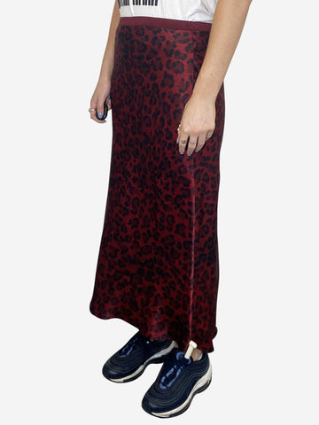 Red and black silky leopard print midi skirt - size S
