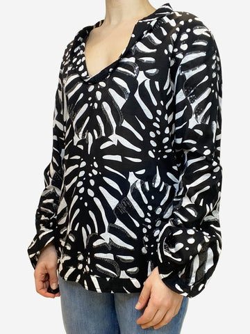 Black and white kaftan - size UK 12