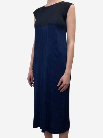 Navy sleeveless pleated midi dress - size L