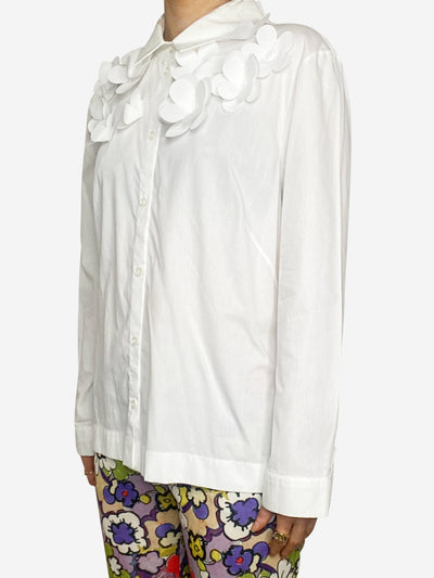 White shirt with flower applique - size UK 14