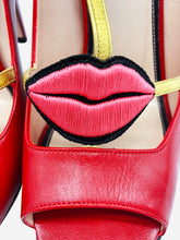 Load image into Gallery viewer, Red and gold heels with embroidered lips applique - size EU 38.5
