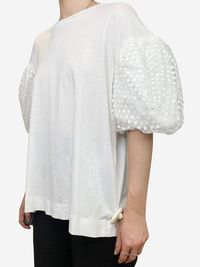 White t-shirt with netted sequin puff sleeves - size M